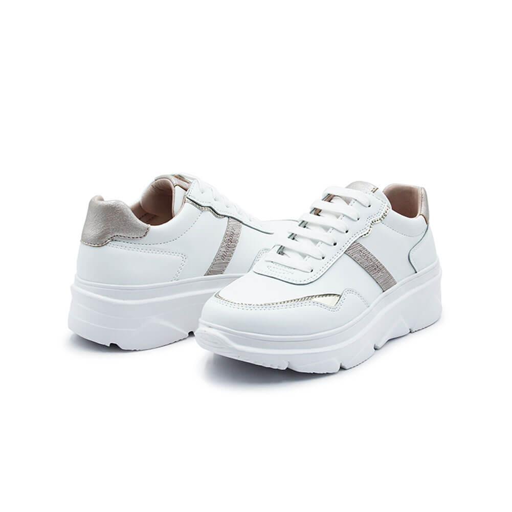 20S218 W White 3